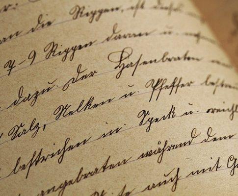 Escribir un libro; empezar un misterio